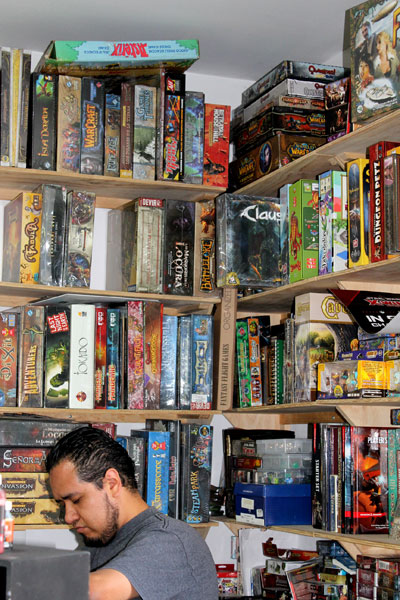El Duende Store is full of games!