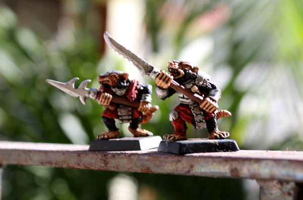 Last two of Stormvermin regiment are finally painted!
