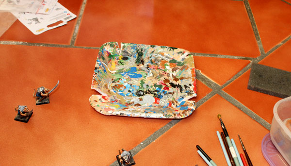Polyesteryne tray = perfect painting pad.