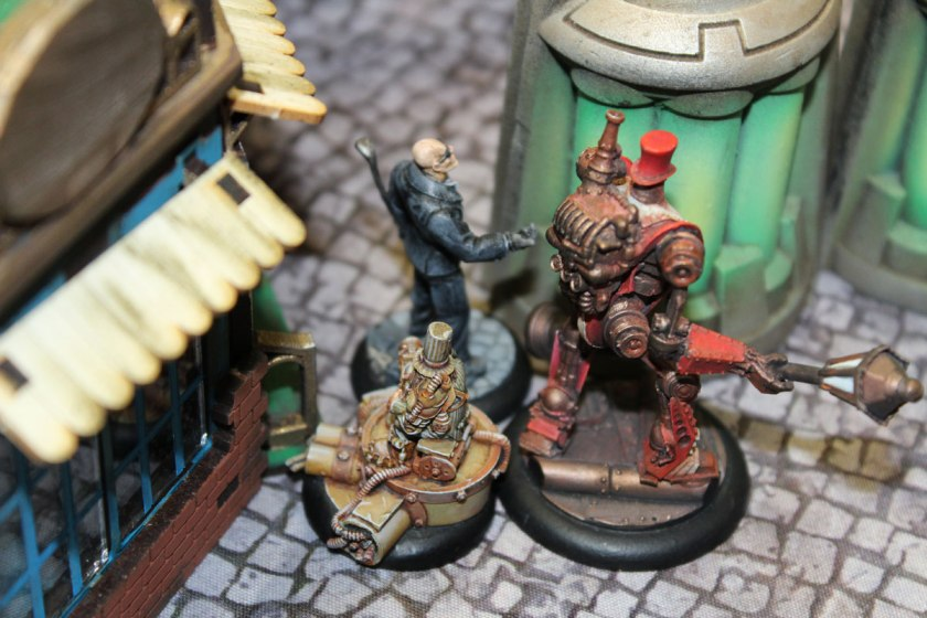 Ogre bruiser is too hard to die like a butler. He got only 4 wounds. Tough fellow!