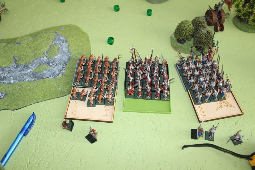Meanwhile, rest of Skaven army advanced.
