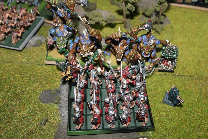 Stormvermin charged Trolls.