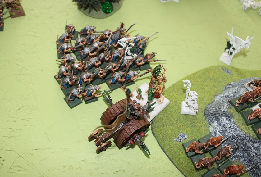 After that - Clanrats attacked Elven Battle Standard Bearer and Doomwheel charged Treeman.