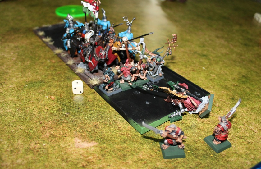 Skaven Battle Standard Bearer is dead!