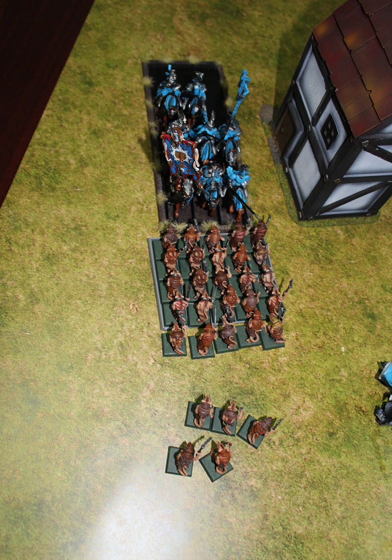 Skaven Slaves vs Knights of The Realm.